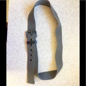 Versatile army green woven belt
